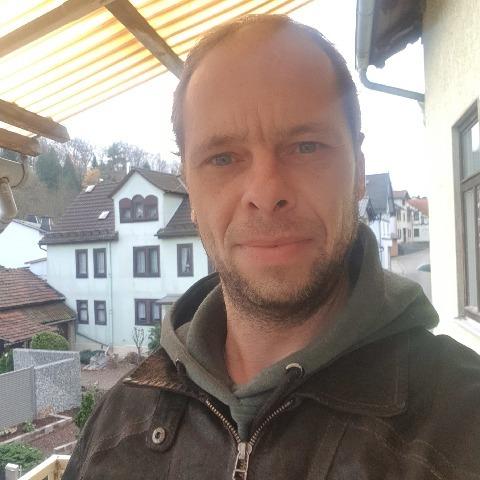 József, 41 éves társkereső férfi -