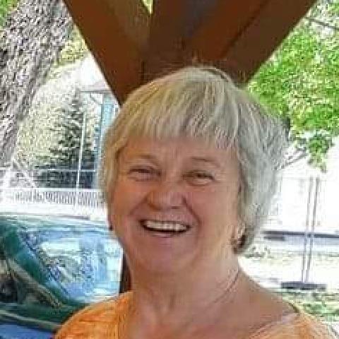 Kati, 69 éves társkereső nő - Gárdony