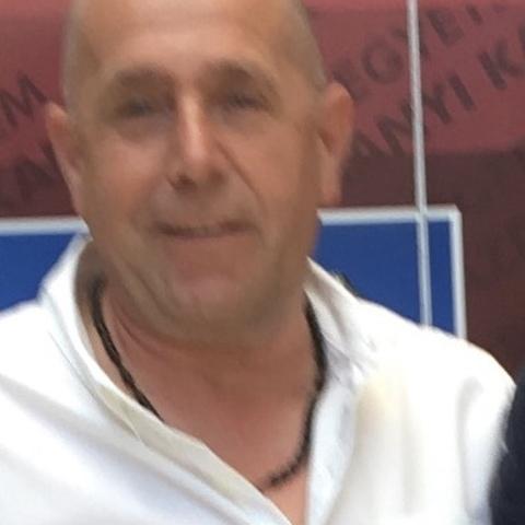 Attila, 49 éves társkereső férfi -