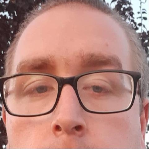 Mihály, 26 éves társkereső férfi - Apagy