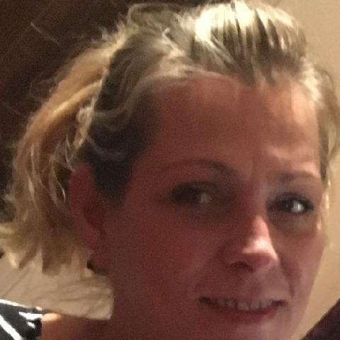 Szilvi, 48 éves társkereső nő - Gödöllő