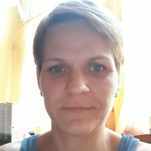 Ibolya, 40 éves társkereső nő - Tamási