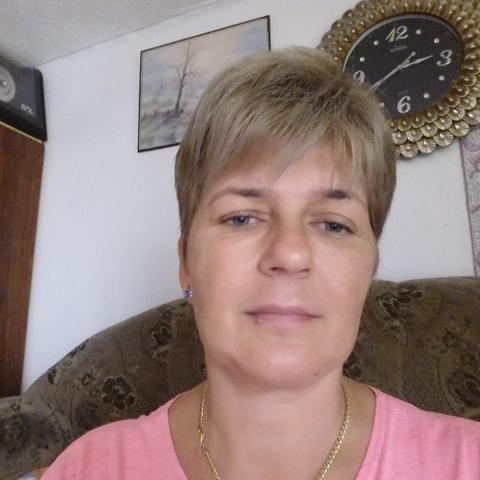 Krisztina, 46 éves társkereső nő - Téglás