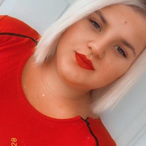 Greta, 19 éves társkereső nő - Pusztaszabolcs