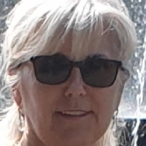 Erzsébet , 56 éves társkereső nő -