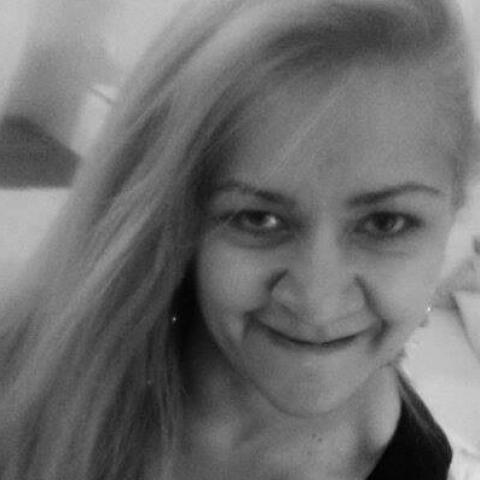 mozgássérült nő társkereső randivonal)