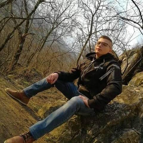 Péter, 24 éves társkereső férfi - Székesfehérvár