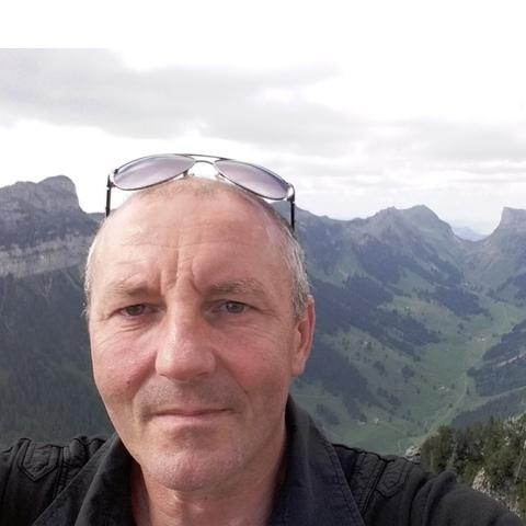 Tihamér, 49 éves társkereső férfi -
