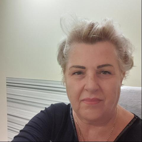 Évi, 61 éves társkereső nő - Szeged
