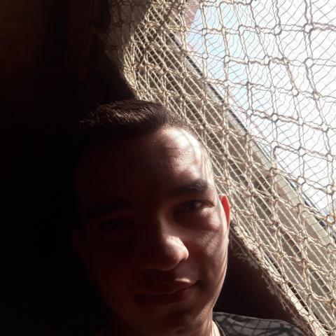 Ádám, 20 éves társkereső férfi - Kazincbarcika