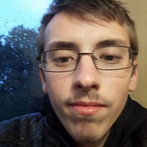 Mihály, 19 éves társkereső férfi - Vésztő