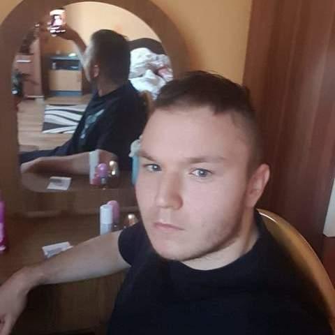 András, 20 éves társkereső férfi - Kőszárhegy