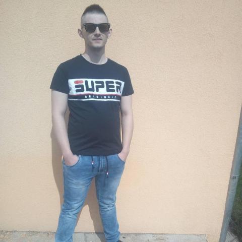 Kristóf, 25 éves társkereső férfi - Miskolc
