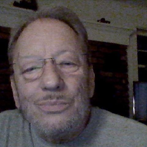 alex, 57 éves társkereső férfi -