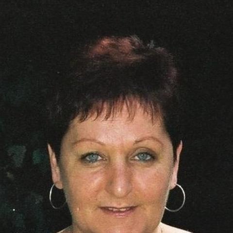 Zsuzsi, 62 éves társkereső nő - Tatabánya