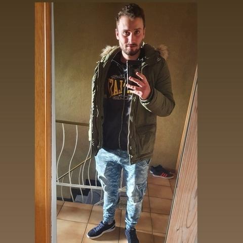 Illes, 24 éves társkereső férfi - Nézsa