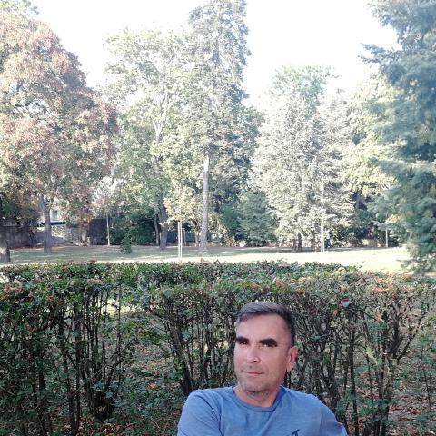 Róbert, 51 éves társkereső férfi - Miskolc