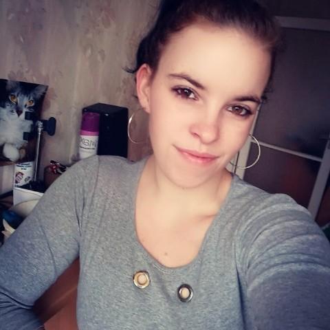 Vivien, 20 éves társkereső nő - Debrecen