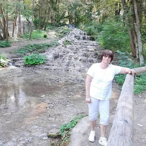 Margó, 61 éves társkereső nő - Dunaújváros