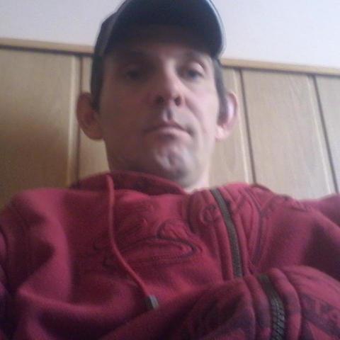 Robert, 38 éves társkereső férfi - Kék