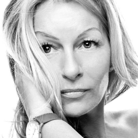 Heni, 44 éves társkereső nő - Zalaegerszeg