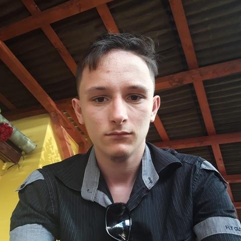 Szilard, 23 éves társkereső férfi - Sepsiszentgyörgyi