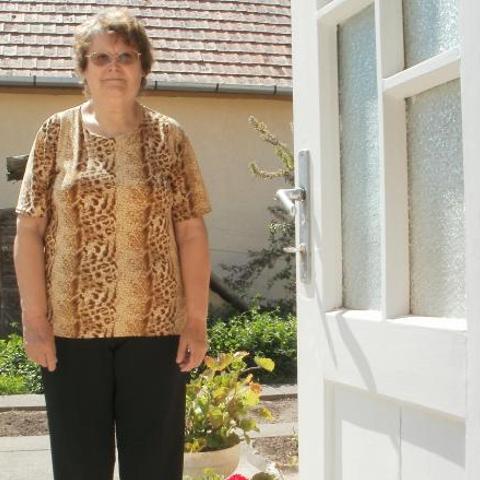Irén, 73 éves társkereső nő - Szekszárd