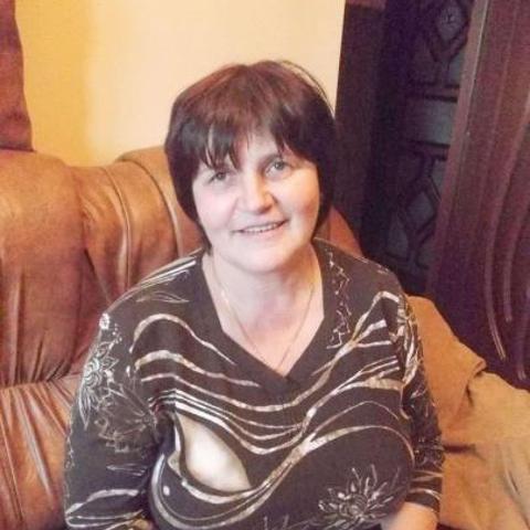 Aurélia, 58 éves társkereső nő -