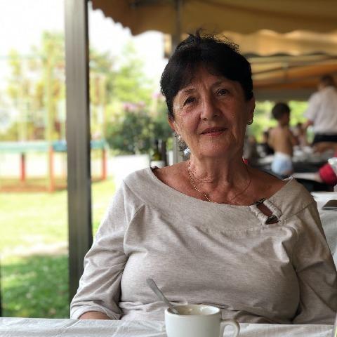 Márta, 69 éves társkereső nő - Vác