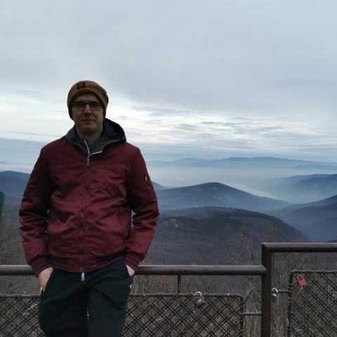 Milán, 26 éves társkereső férfi - Doboz