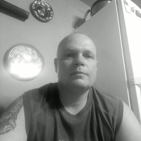 István, 34 éves társkereső férfi - Újfehértó