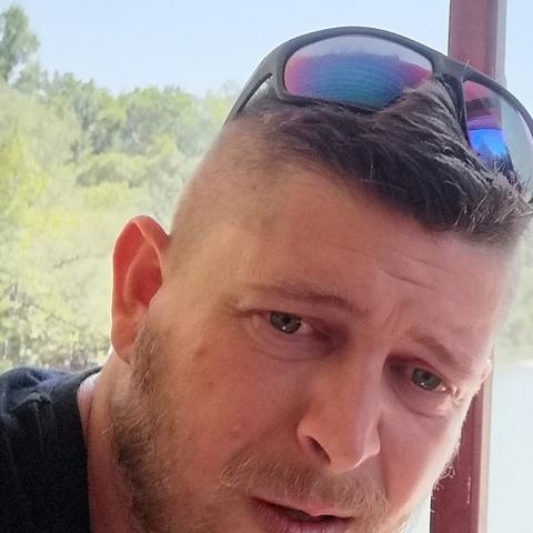 Jozsef, 31 éves társkereső férfi - Debrecen