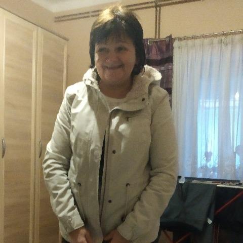Anna , 64 éves társkereső nő - Pécs