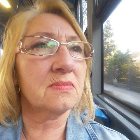 Lili, 62 éves társkereső nő - Budapest