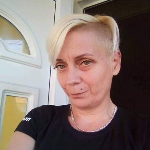 Emese, 43 éves társkereső nő - Sajószentpéter