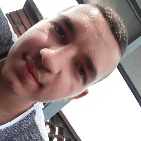 Ádám, 18 éves társkereső férfi - Kazincbarcika