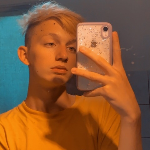 Zsombor, 20 éves társkereső férfi - Ambrózfalva