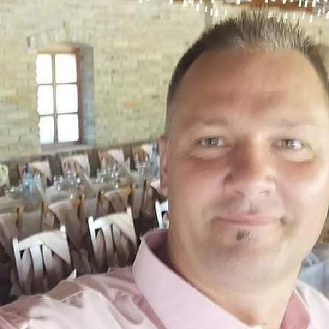 Sandor, 42 éves társkereső férfi - Dunaújváros