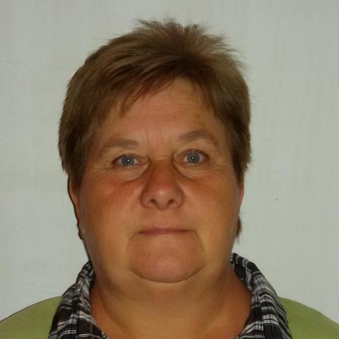 Évi, 61 éves társkereső nő - Aszód