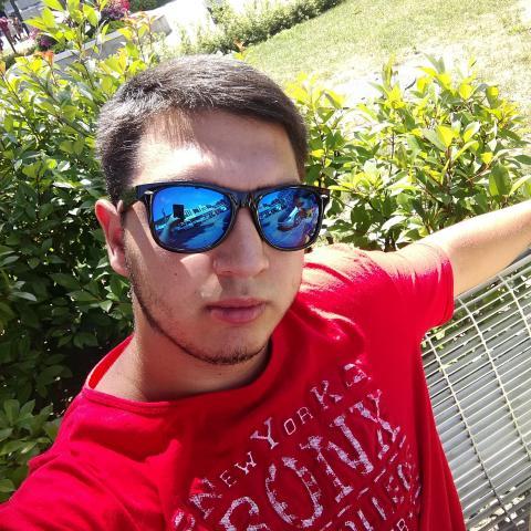 Ádám, 20 éves társkereső férfi - Salgótarján