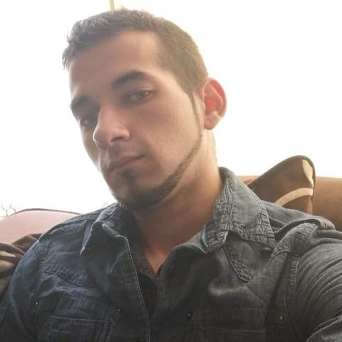 Zsolt, 27 éves társkereső férfi - Bradford