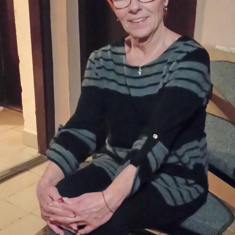 Magdolna, 67 éves társkereső nő - Budapest