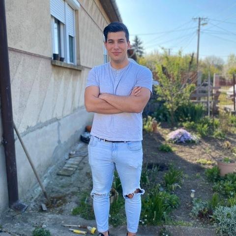 Áron, 20 éves társkereső férfi - Hódmezővásárhely