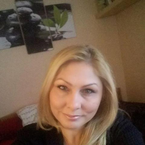Betti, 42 éves társkereső nő - Sajószentpéter