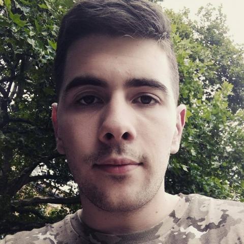 Valentin, 24 éves társkereső férfi - Érd