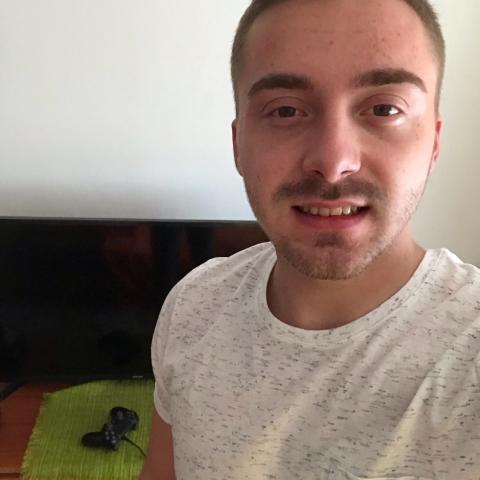 Jani, 26 éves társkereső férfi - Miskolc