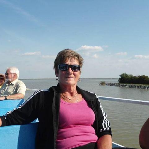Éva, 64 éves társkereső nő - Cirák