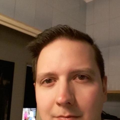 Péter, 31 éves társkereső férfi - Pécs