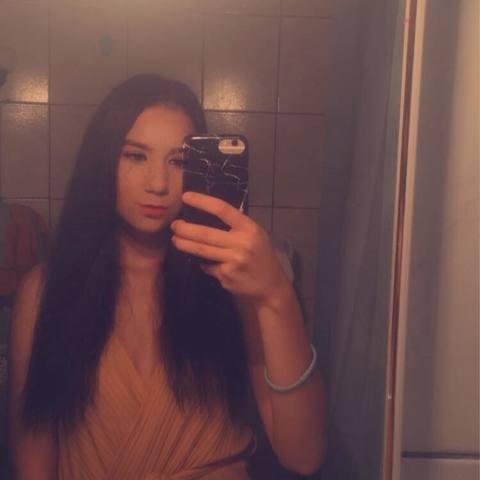 Alexandra, 20 éves társkereső nő - Szeged
