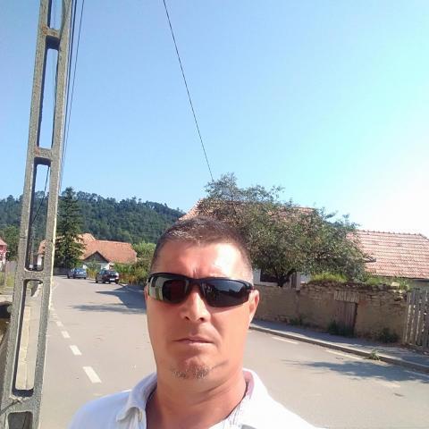 Adrian, 44 éves társkereső férfi - Kisgalambfalva
